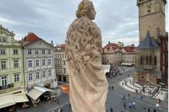 09-Dnesni_navrat_sochy_Panny_Marie_do_centra_Prahy